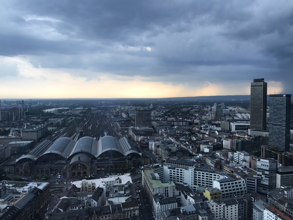 @PMCampRM for the first time! Exciting location 👌🏻 #PMFriends #silvertower #frankfurt #ffm https://t.co/NzDfsDdsZ3