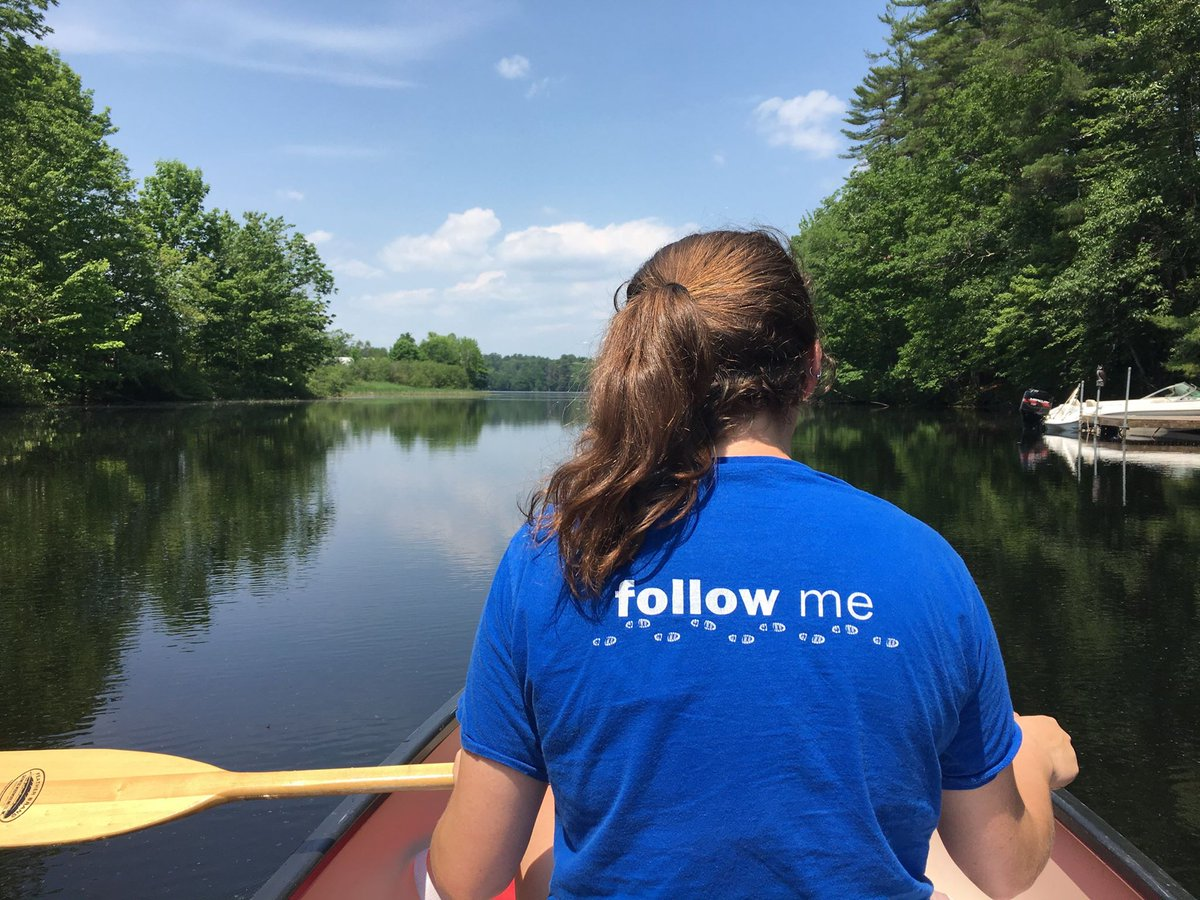 Our awesome Tour Guides aren't just great at giving tours…they also love to enjoy Maine's beautiful outdoors! #UNE #lifeatUNE<br>http://pic.twitter.com/H3gOspYGpv