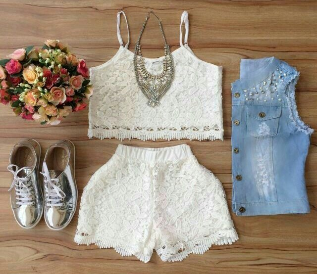White! #outfitoftheday  #outfit <br>http://pic.twitter.com/1axv2vThcy