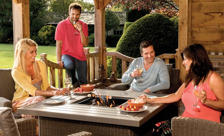 Something to keep you #Warm as you #Dine outside?  The #Kettler #Palma #FirePit set #Stylish #AlfrescoFortnight  http:// ht.ly/RP1f30cFyJ6  &nbsp;  <br>http://pic.twitter.com/5FkO3LdXbJ