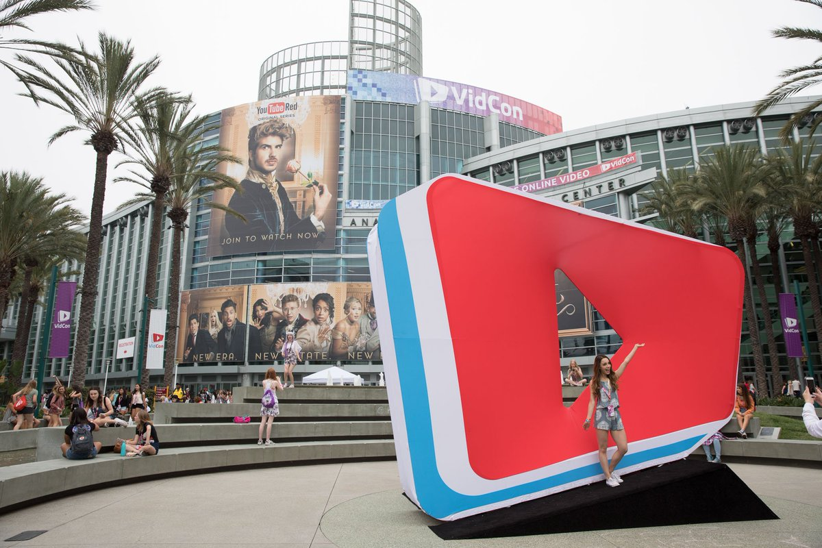 🔴  [LIVE]: Day 1 of #VidConUS is right at your fingertips! ☝️ https://...