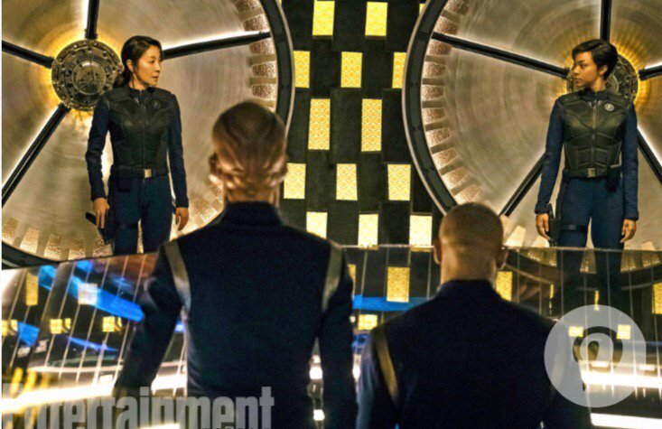 #StarTrekDiscovery first look at a groovy new transporter room https:/...