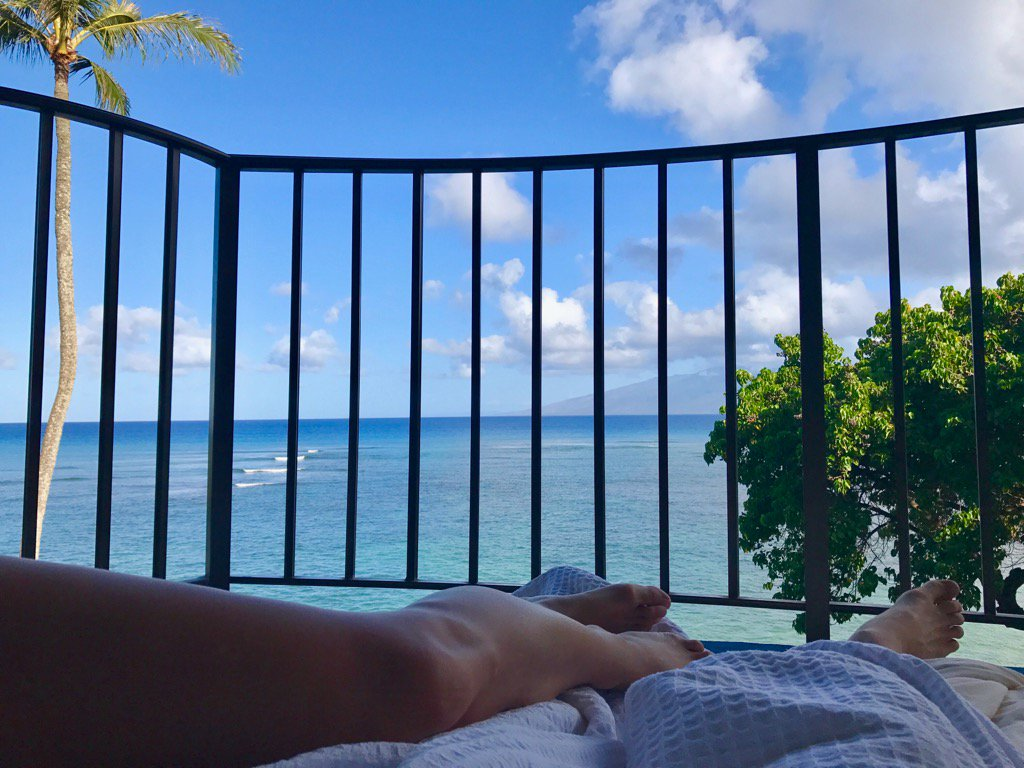 Good morning from our fort on the lanai!! ITS MY BIRTHDAY AND I LOVE Y...