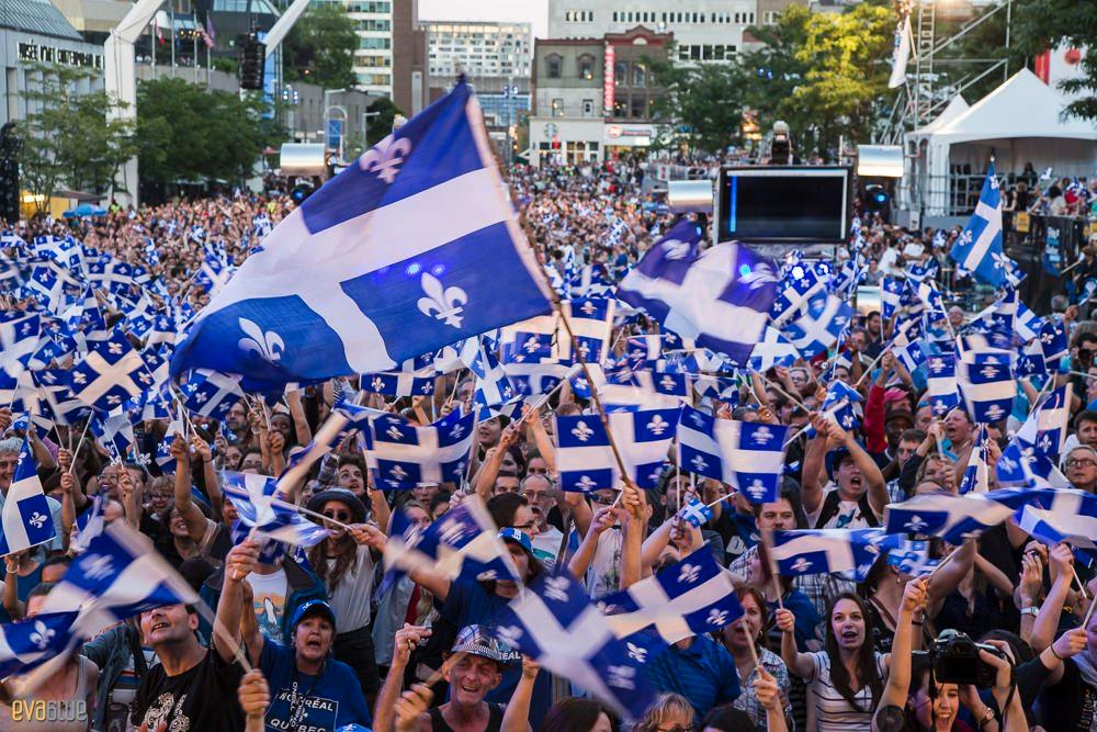 #Montréal celebrates #SaintJeanBaptiste! 🎆🎊 https://t.co/XTTBtz3ou0 📷@...