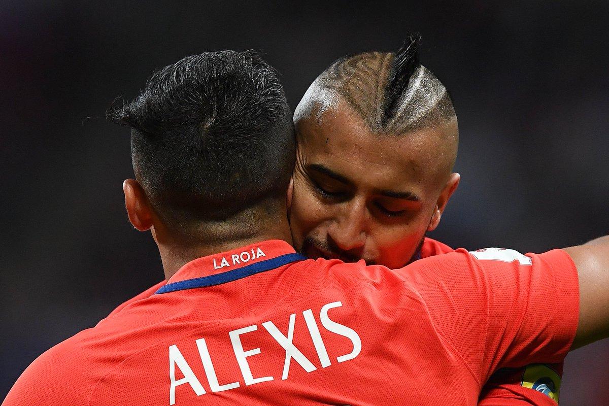 'Alexis, come to Bayern.' 👀 https://t.co/sKIDHSnPaN