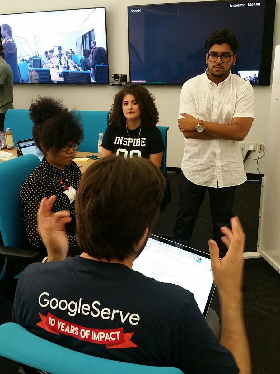 The Hustle Continues: #strategy and #design #UX session with #Googlers at #GoogleMTV | #GoogleServe #OaklandDigital #BRIDGEGOOD<br>http://pic.twitter.com/FcnuSdaLIk &ndash; bij GooglePlex - 1300