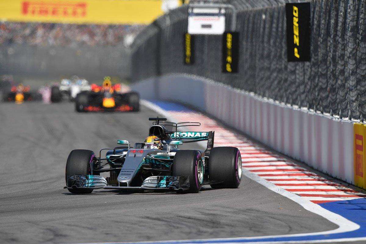 """FIA aumenta rigor na fiscalização das equipes para evitar """"queima de óleo"""" https://t.co/wAav47KWMo"""