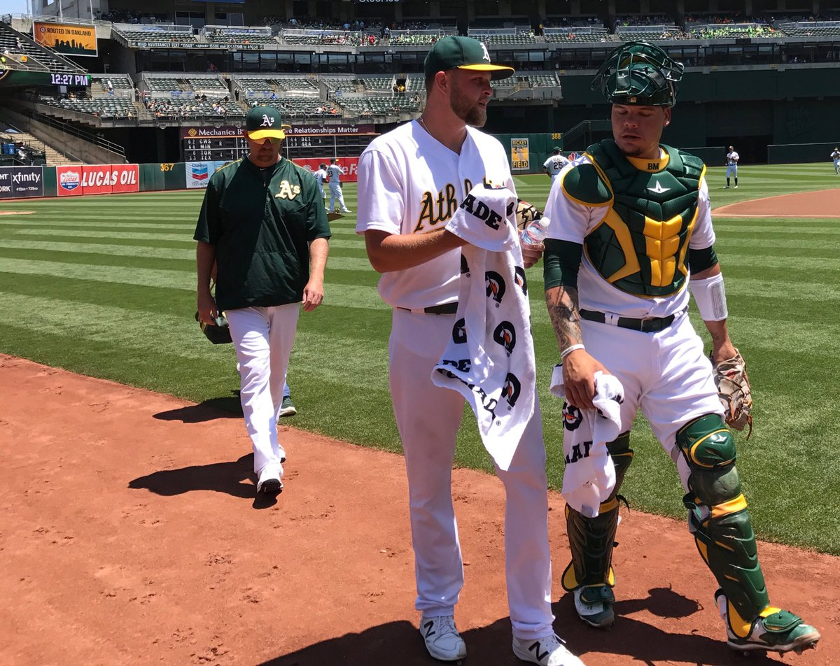 Jesse Hahn's done with his warmup tosses. The last game of the homestand is underway! #RootedInOakland