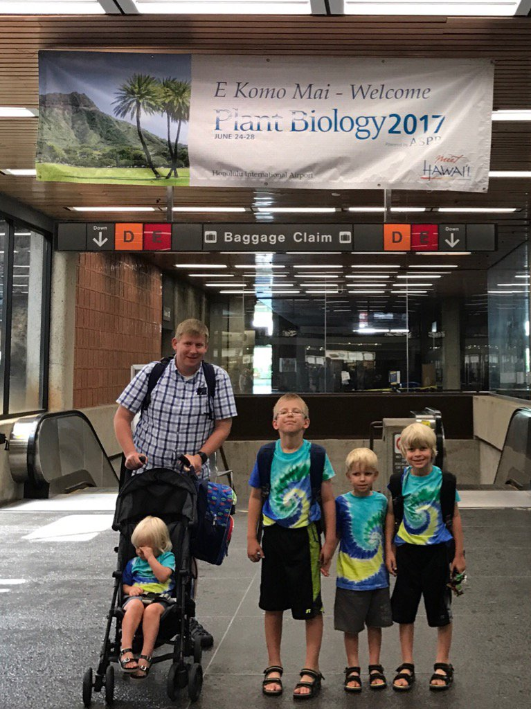 We&#39;re here! #plantbio17 <br>http://pic.twitter.com/TVJ9CXM9lm