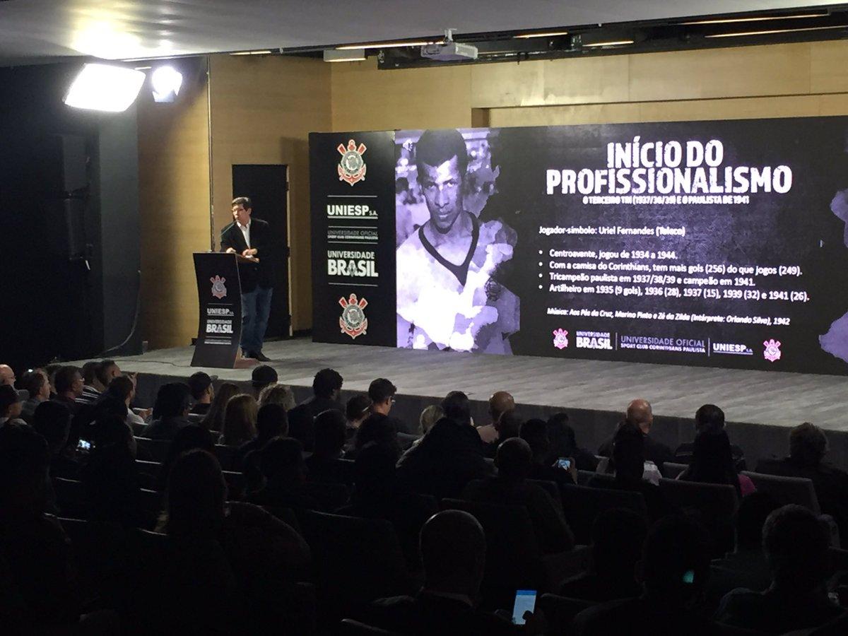 Auditório da @A_Corinthians lotado para a aula Magna do Timão, realizada pela Universidade Brasil junto do jornalista Celso Unzelte!