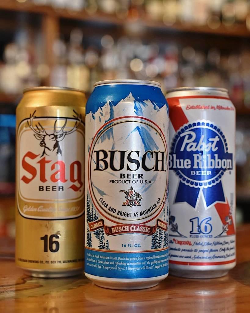 Enjoy $1.50 tallboys during GEEKS WHO DRINK trivia tonight at Handlebar! #haps #handlebarstl #thegrovestl<br>http://pic.twitter.com/kN9Kpgfv6d