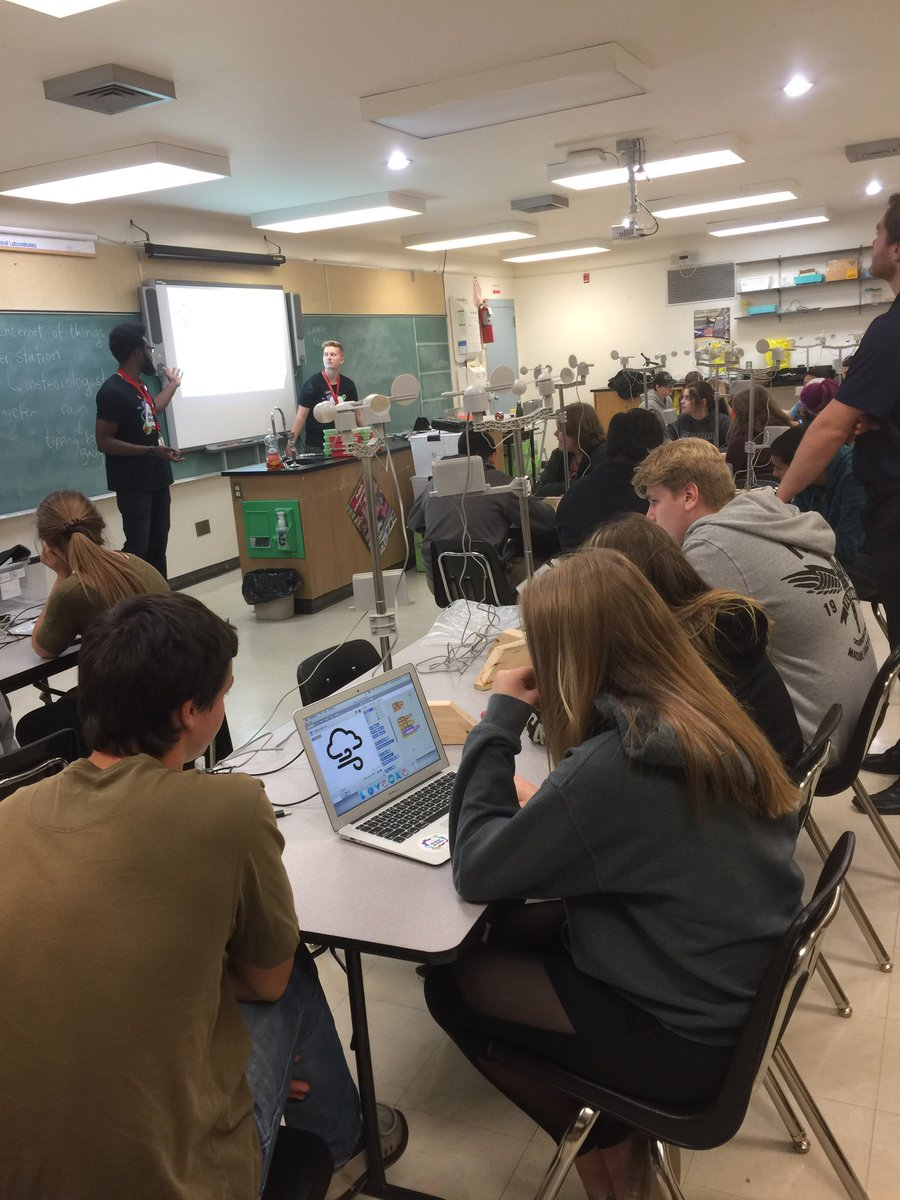 Maker mobile workshop with Lauren and Kevin @PACarlton.Thanks @ActuaCa...