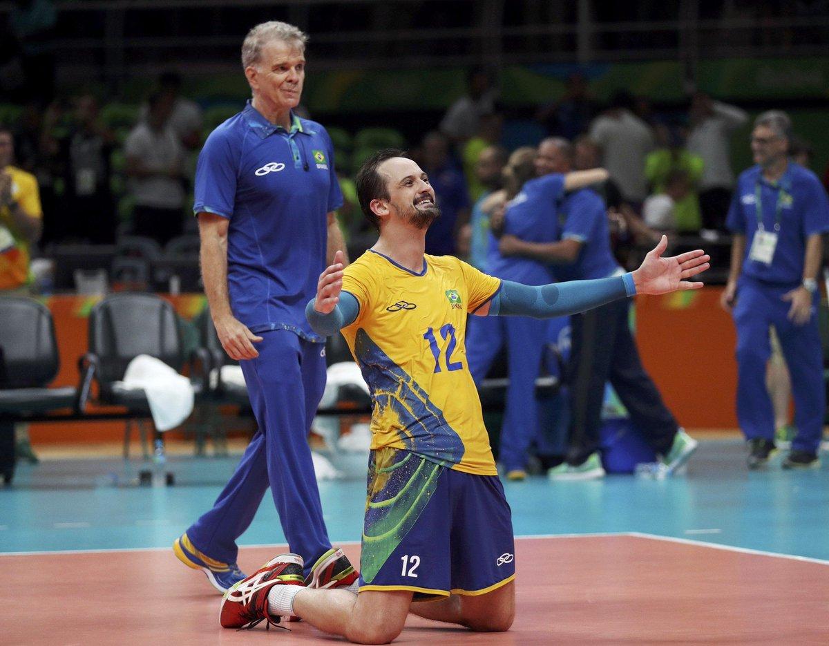 Destaque no ouro olímpico, Lipe se lesiona e está fora da fase final da Liga Mundial https://t.co/CEPmOFRIzW