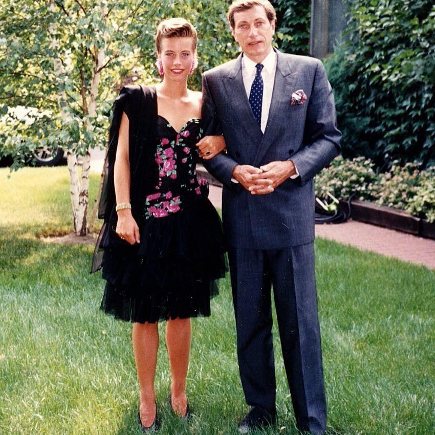 Mon bal de graduation! #tbt #backinthedays #prom #proudfather #julielapie  http:// ift.tt/2rHMRhR  &nbsp;  <br>http://pic.twitter.com/on8enyZ7X7