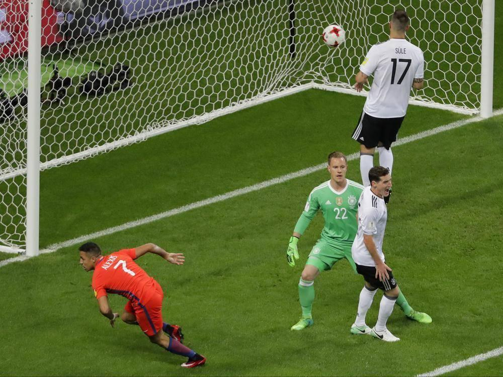Sanchez scores early but Chile held by Germany to a 1-1 draw https://t.co/R5FHd5MYhU