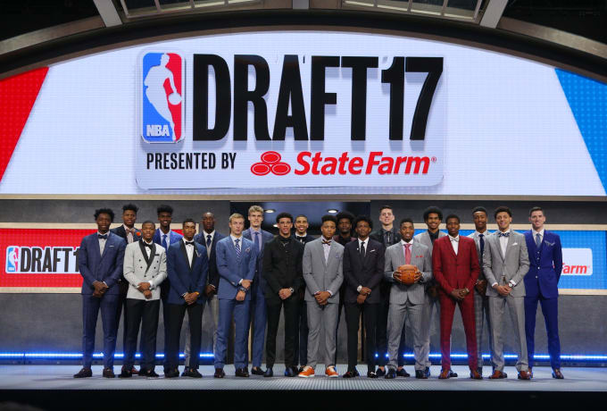 A rundown of the most head-turning styles from the NBA Draft: https://...