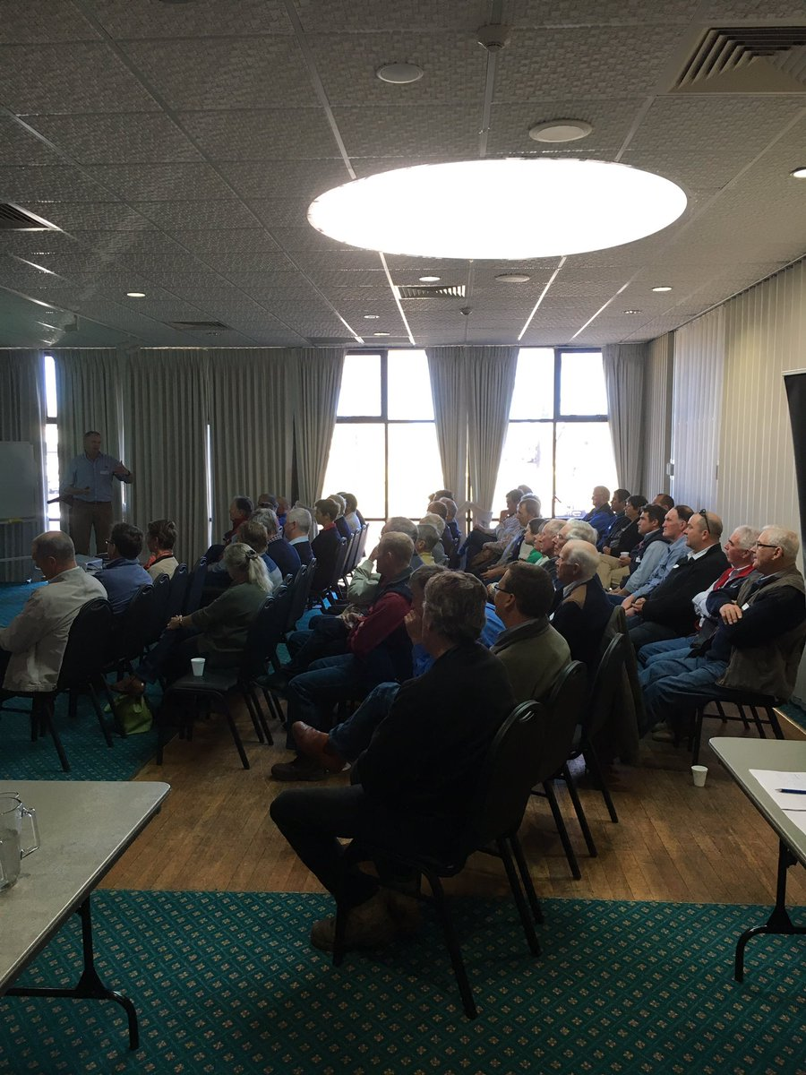Berry Reynolds, #Mort&amp;Co with 46 Glen Innes producers talking F1 Angus X Wagyu opportunities  @meatlivestock #MSA<br>http://pic.twitter.com/iOrdylKkhP