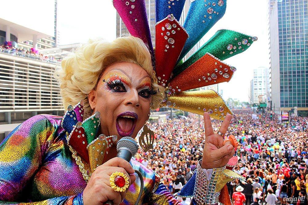 Você perdeu a Parada do Orgulho LGBT em Sampa? Nosso parceiro @ViajaBi esteve lá e conta todos os detalhes: https://t.co/HAoqwjQhPT 💖 🌈