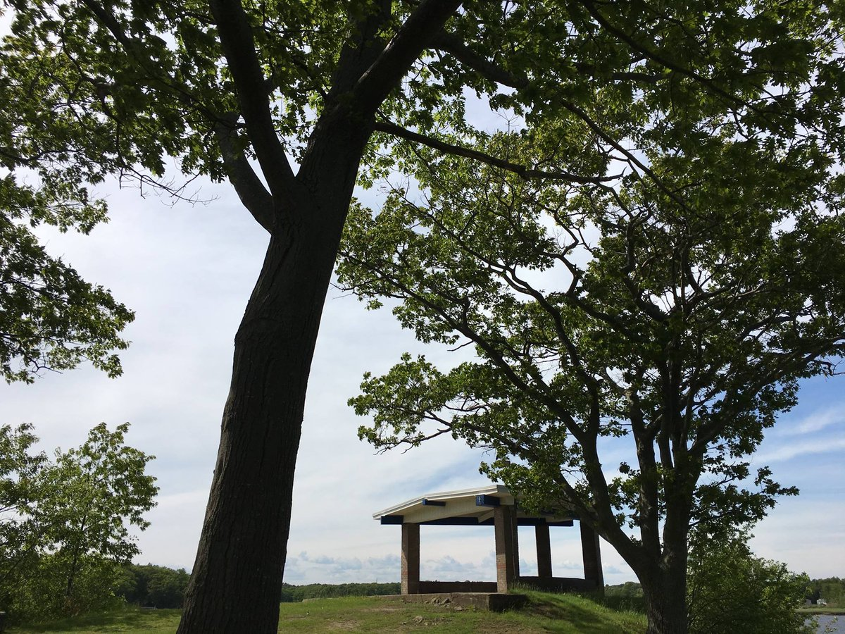 Ahh…the perfect spot to relax after a long day &amp; enjoy a cool breeze from the Saco River! #UNE #lifeatUNE<br>http://pic.twitter.com/GxBqCl5tWF