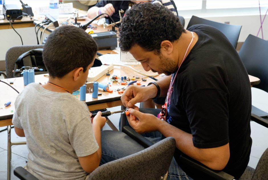 Sign up for a #robotics or a #stem summer camp at your local branch:  http:// ow.ly/JpPs30cKO6Y  &nbsp;  <br>http://pic.twitter.com/gYXP8CxiqD