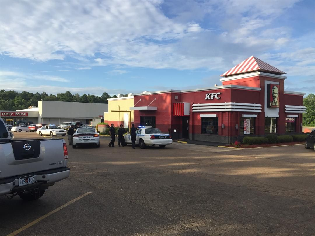 BREAKING: Woman shot in drive-thru of Jackson KFC https://t.co/8zbqEfU5Xh