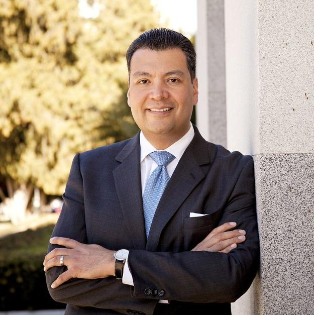 Video: #California's sec. of state @AlexPadilla4CA debuts tool to make starting a new #business easier https://t.co/ETHipJ3abn
