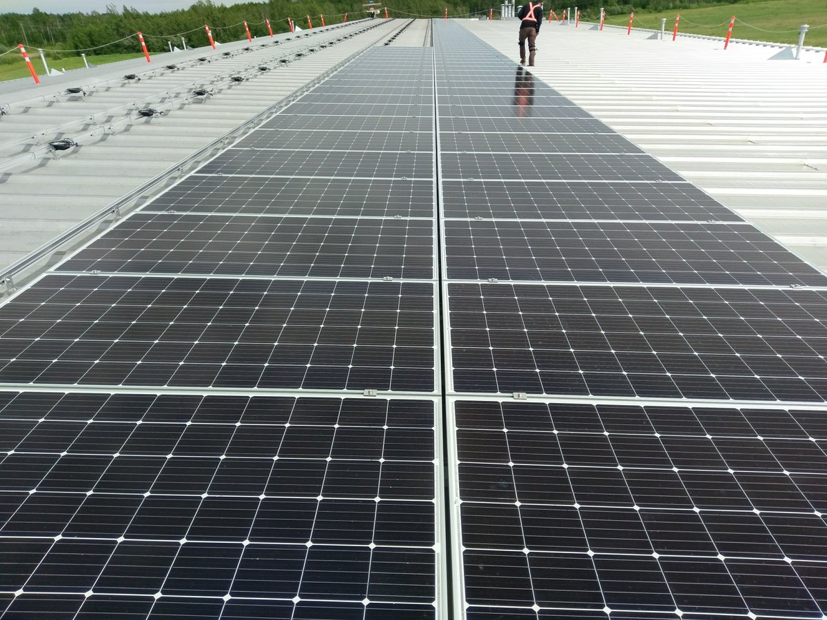 BAM! Another Indigenous Nation is going #solar. Horse Lake First Nation installing 200 kW of #solarenergy!   #cdnpoli #abpoli #renewables<br>http://pic.twitter.com/fYpL1DljqM