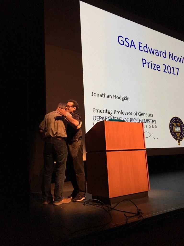 David Greenstein presenting Novitski Prize to Hodgkin #worm17 https://t.co/fWm9fegmcB
