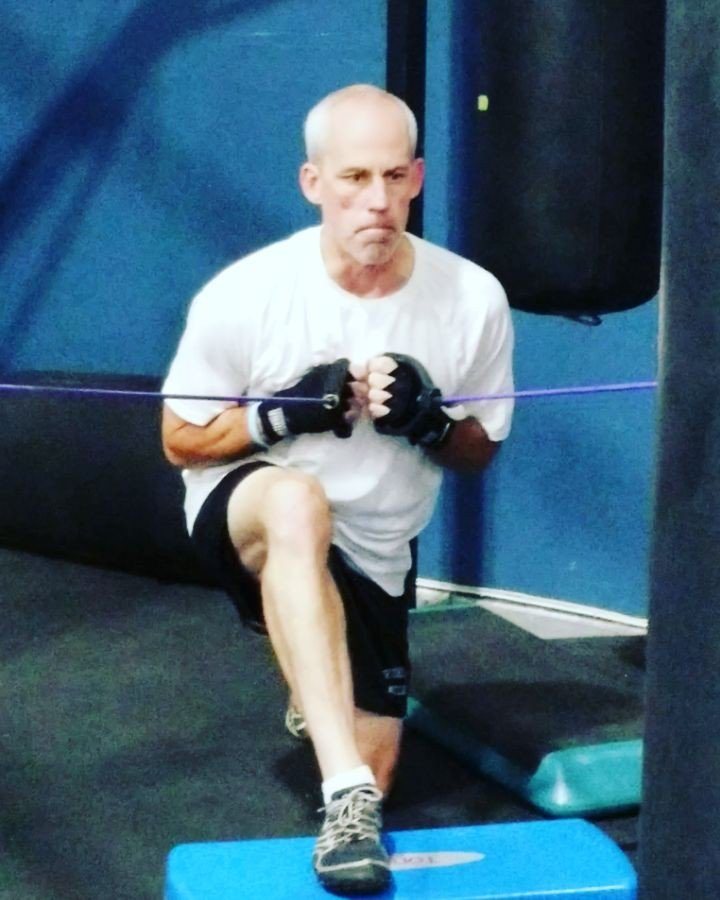 Bands that make him lungeWay to go Todd! #rsbmocomoment #rsbmoco #fighters #lunges #parkinsons #boxing #fitness<br>http://pic.twitter.com/lXZZ1dpMQO