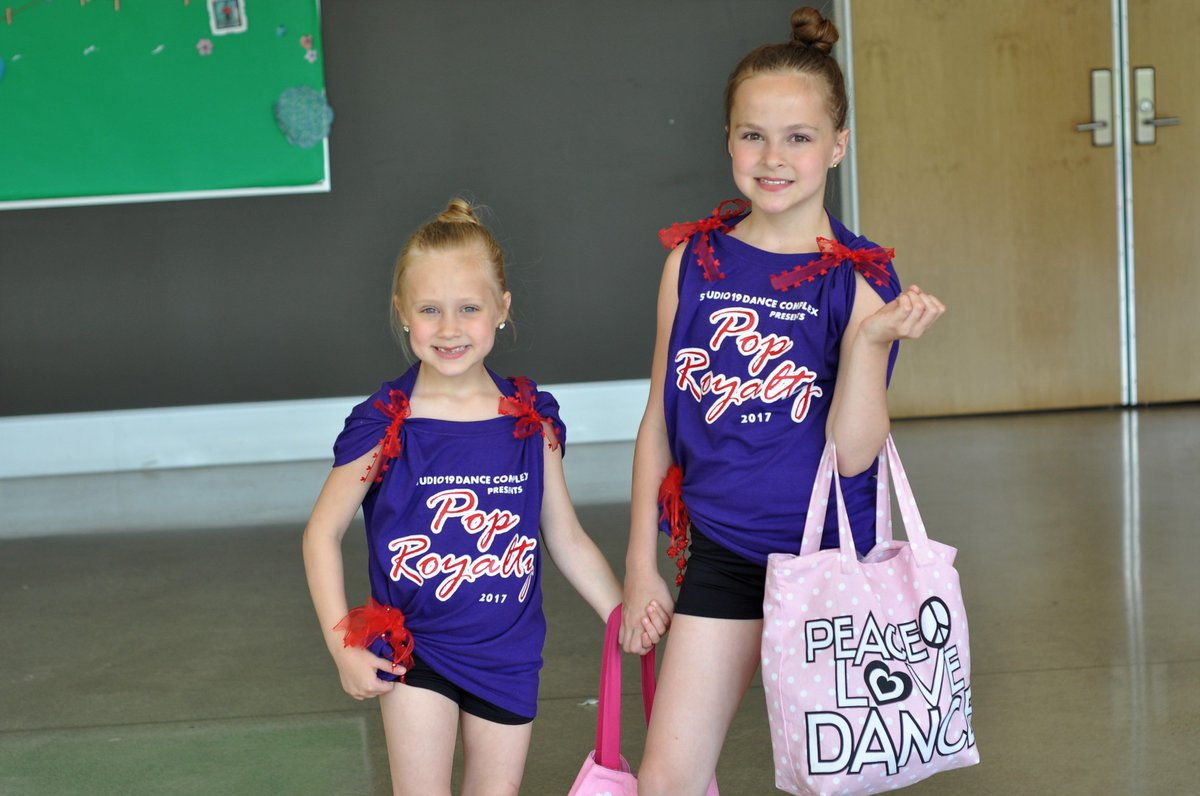 Our first year of having two girls in #dance is in the books, and I&#39;m sharing what I learned from the dance recital!  http:// bit.ly/2t0g386  &nbsp;  <br>http://pic.twitter.com/8T7g8hxw6O