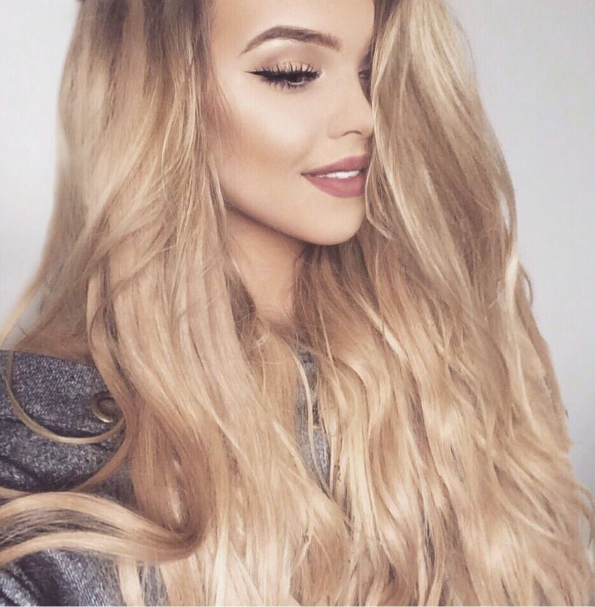 Bellami Hair On Twitter Chloalawrence Is Looking Gorgeous In