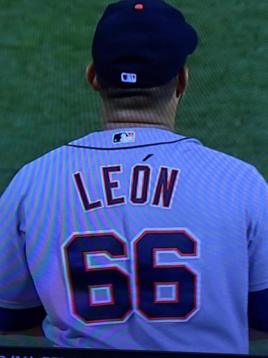 Fonty also notes Sandy Leon (red) has accent in  MLBONFOX graphic a930c0ef9
