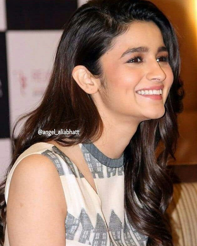Prettiest Smile in the World  @aliaa08  #AliaBhatt #angel_aliabhatt #pretty #Smile #Bollywood #actress #FolloMe<br>http://pic.twitter.com/WfD97xrcHd