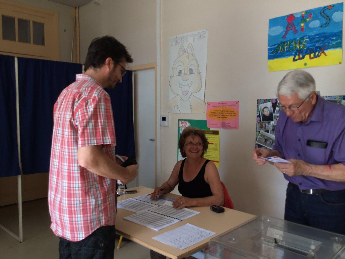 Fermeture des bureaux de vote l intérieur dit non aux