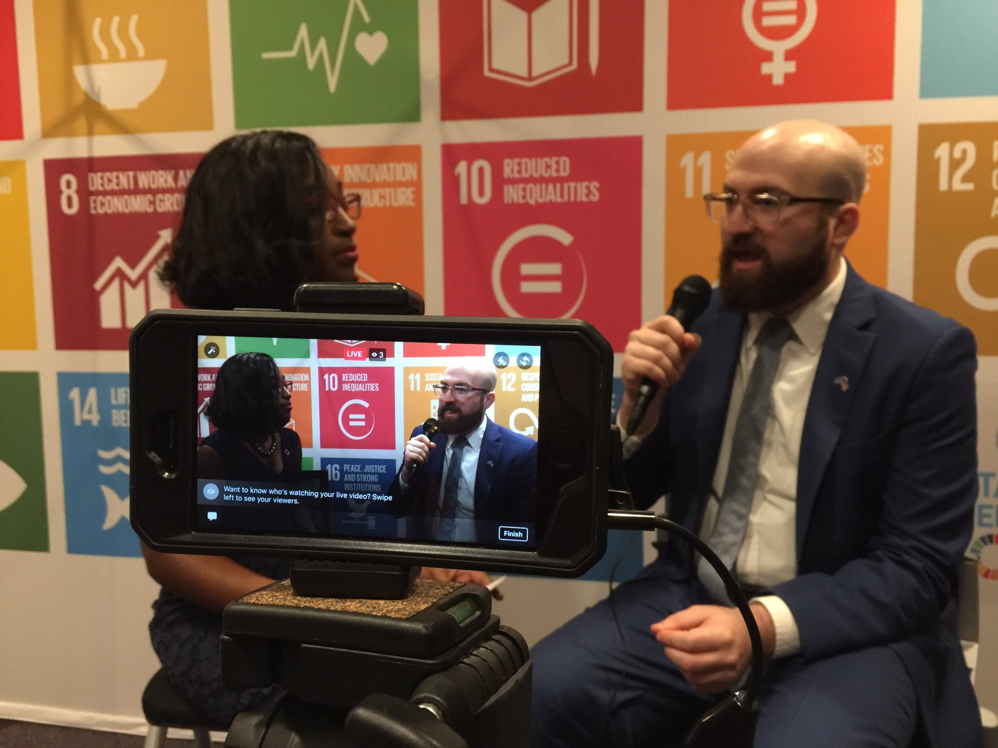 LIVE: @UNAUSA Portland Pres shares his story as an Iranian immigrant + how storytelling can create change: https://t.co/7YN0sXb1B2 #USAforUN https://t.co/QhhpoXl3hp