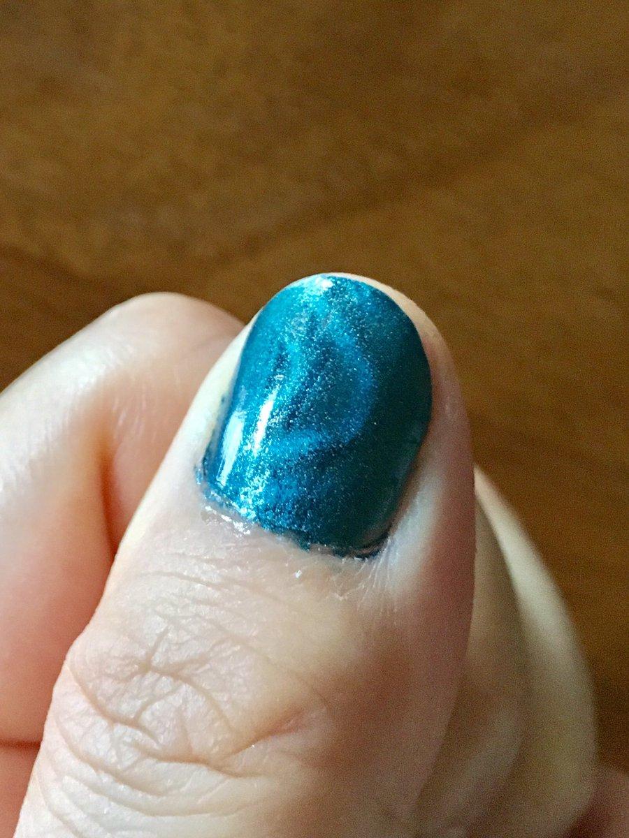 test ツイッターメディア - キャンドゥへ行って、欲しくなって買った フォレストグリーンとナイトブルー #キャンドゥ #MAGArtNail https://t.co/3Bmm6UnLvm