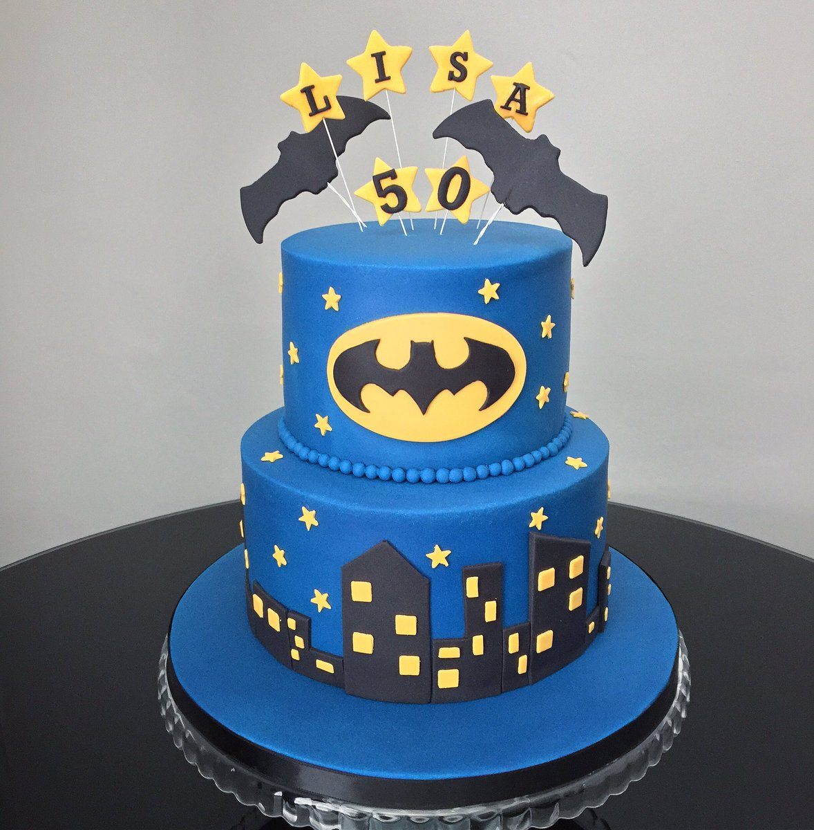 Incredible Twitter Marias Cake Boutique Batman Themed Birthday Cake Funny Birthday Cards Online Sheoxdamsfinfo