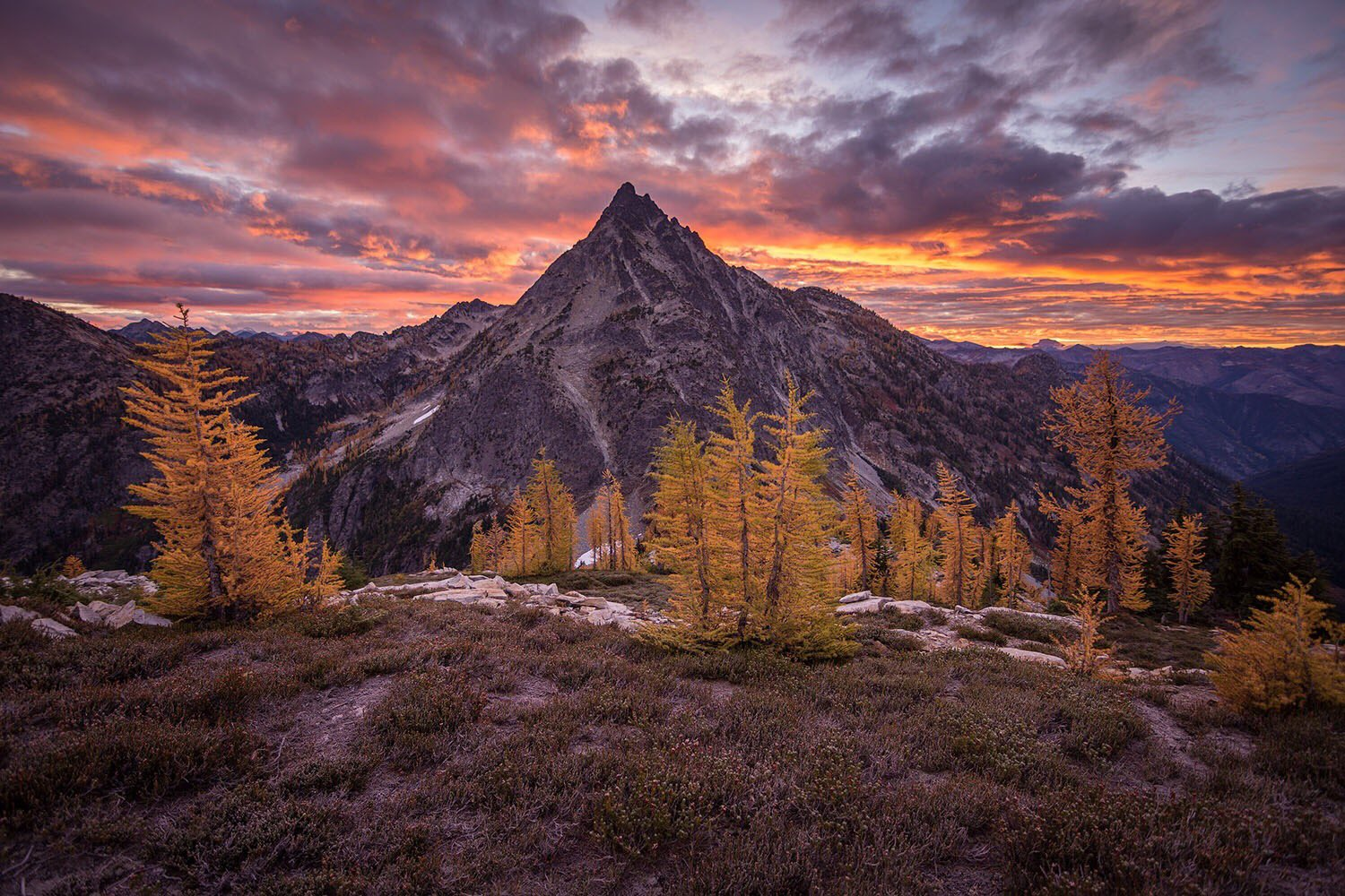 A memory that'll last a lifetime: Witnessing sunrise over Bowen Pass @NCascadesNPS by Crystal Brindle #Washington https://t.co/c2AaXbIFT7