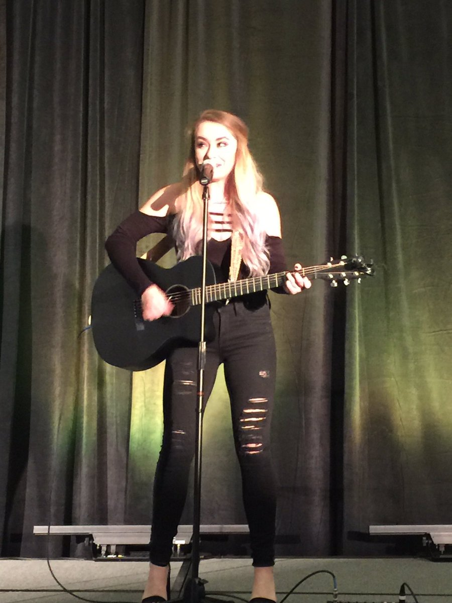 #IPMA2017 @MeganAGolden killing it at the opening reception. https://t.co/IMULQ7X7d9