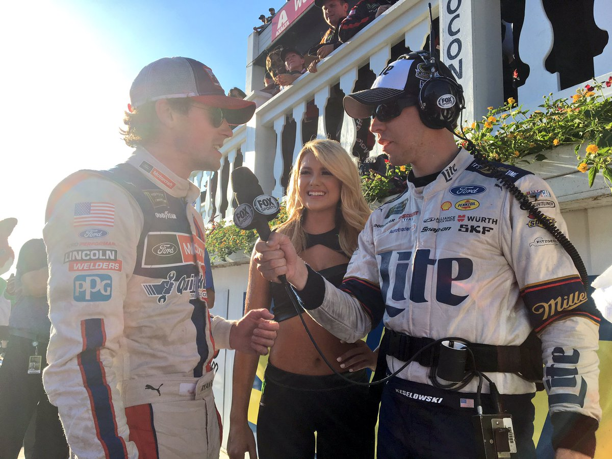 Happening right now!! Gave @keselowski my headset and he is interviewing @Blaney! So cool. @NASCARONFOX https://t.co/CS3FoW0NK4