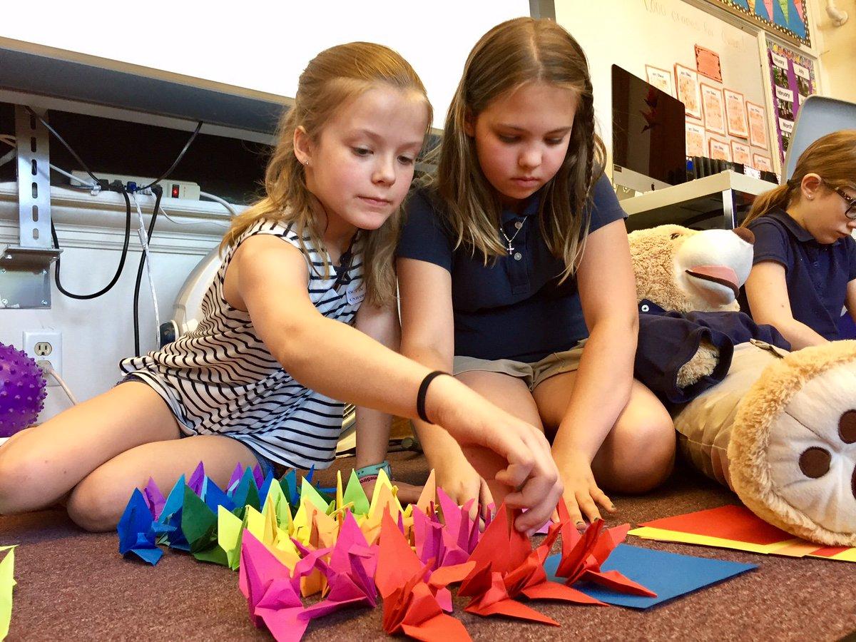 When Owen faced life-threatening surgery, classmates made 1,000 paper cranes to welcome him home. from @BoydHuppert https://t.co/LK2PeMrbIj