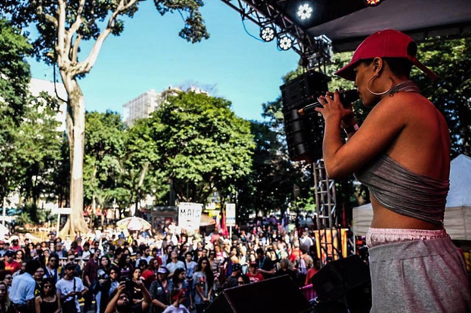Em São Paulo, o ato Mulheres pelas diretas e por direitos recebeu diversas atrações musicais! #DiretasJa