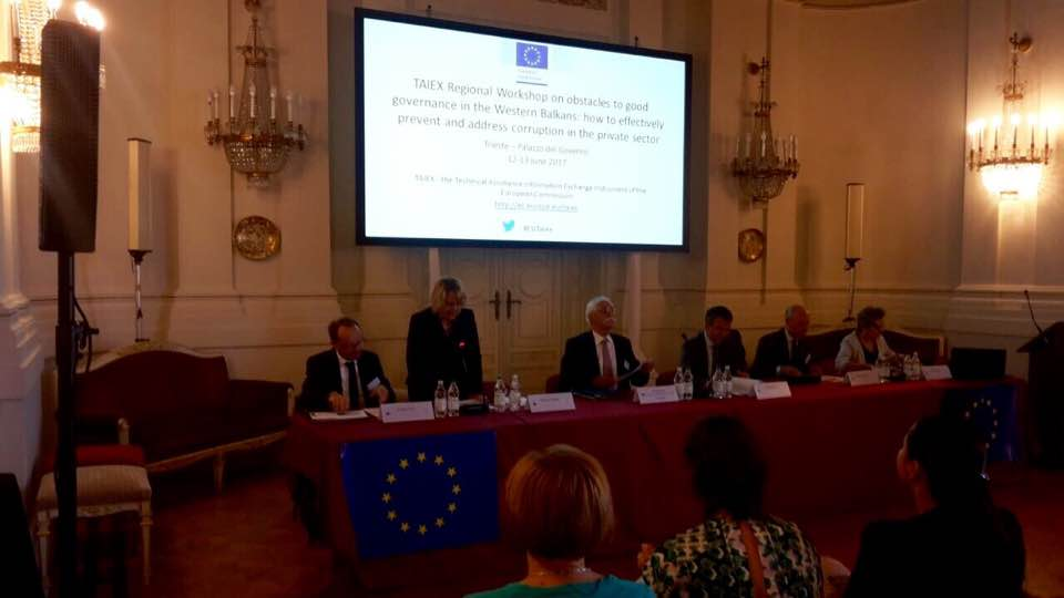 #WesternBalkans Anti-Corruption Authorities exchange expertise at #EUTaiex event ahead of #Trieste Summit on 12.07 http:// europa.eu/!nK46vX  &nbsp;  <br>http://pic.twitter.com/sjKfAyljk7