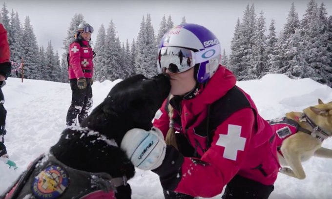 el #marketing perfecto: @lindseyvonn haciendo de patrol en @vailmtn https://t.co/AenSOGFb52