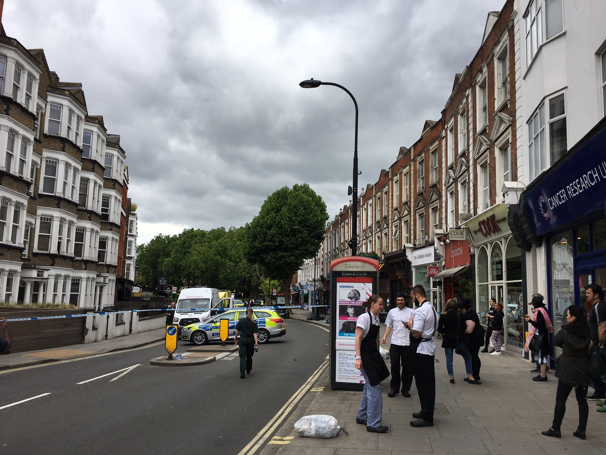 West End Lane completely closed. Best avoid the area for the time being. @WHampstead https://t.co/7IkxCiaRQU