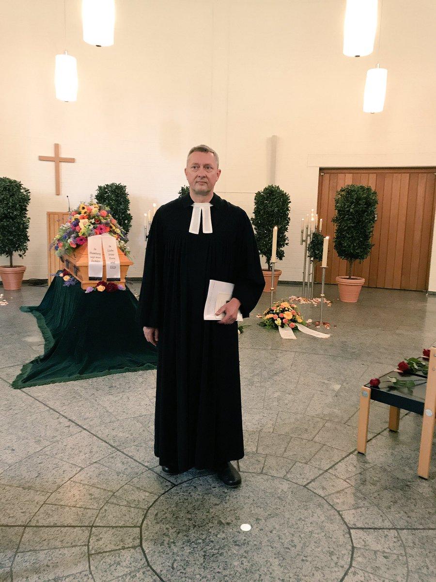 St Pauli Pastor Sieghard Wilm Hält Die Trauerrede Für Kiez