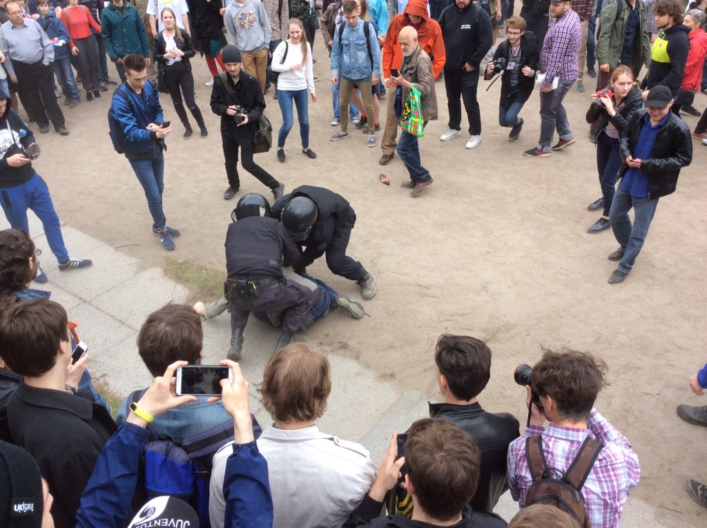 Полное пренебрежение к правам человека, - Amnesty International об обращении властей РФ с демонстрантами - Цензор.НЕТ 1827