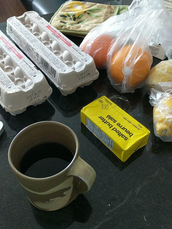 got my ingredients too, ft. my @DHatGuelph mug. @HillaryNunn https://t.co/lRcIP4RkVw