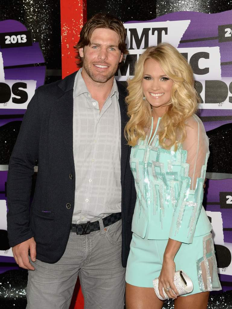 Even though Mike Fisher didn&#39;t win the cup he&#39;s still winning #carrie #winnerswin<br>http://pic.twitter.com/mebKyJE8Ap