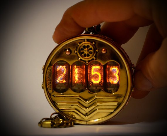 イスラエル製、ニキシー管懐中時計。約10万円也 etsy.com/jp/listing/480…